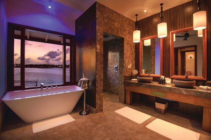 water-villa-bathroom